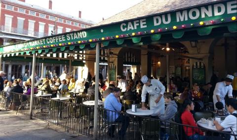 Cafe-Du-Monde-pic1